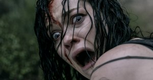 evil-dead-girl-screaming